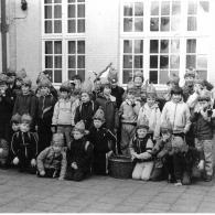 De jongens maken zich klaar om te gaan Goriën zingen (foto: Geert Van der Veken)